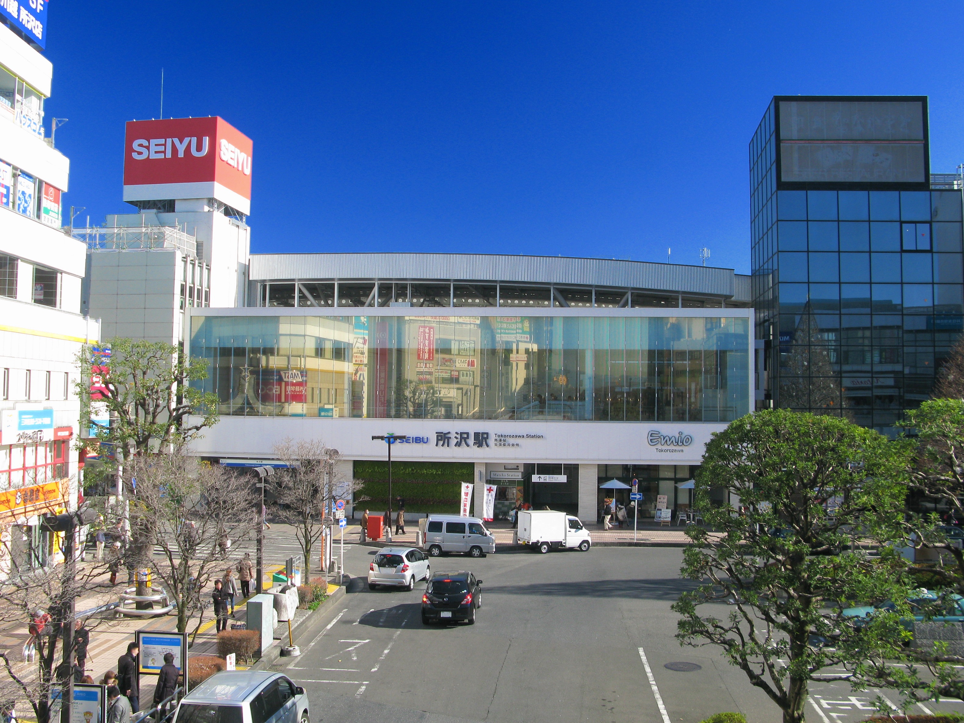Tokorozawa_Station_West_Entrance_1
